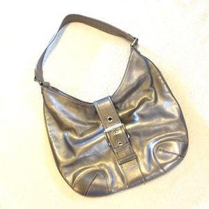 🌺 Michael Kors Metallic Silver Hobo Bag 🌺